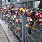 Cadenas sur le Pont Eiserner Steg de Francfort