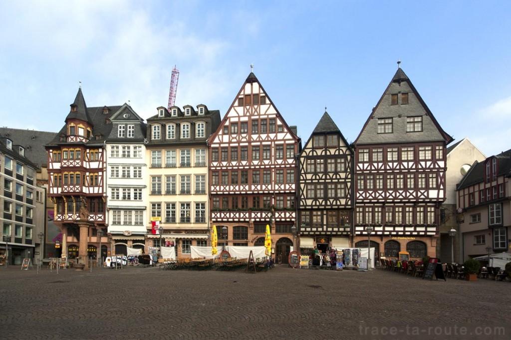 Maisons à colombages sur la place Römerberg de Francfort