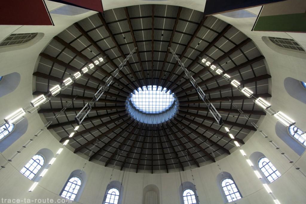 Le Plafond et l'oculus de l'Église Saint-Paul de Francfort