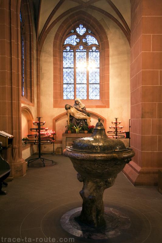 Pietà dans la Cathédrale Saint-Barthélémy de Francfort (Kaiserdom St. Bartholomäus Frankfurt)