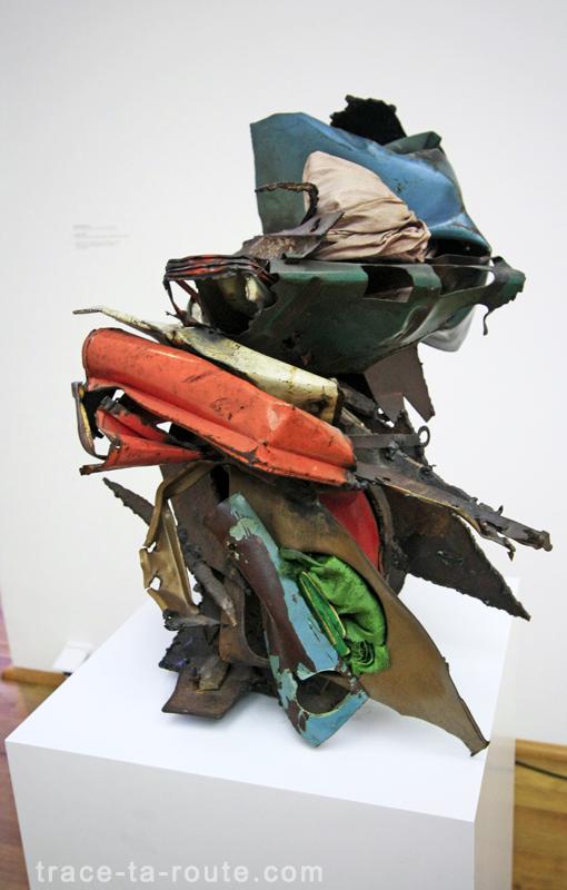 """""""Untitled"""" (1963) John CHAMBERLAIN, Musée d'Art Moderne de Francfort"""