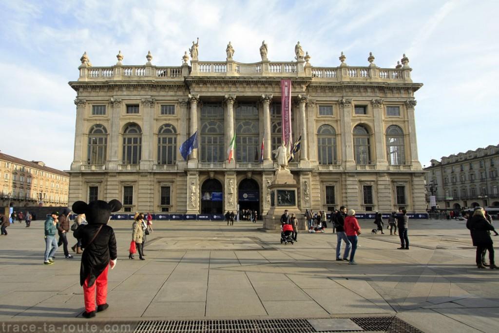 Palazzo Madama (Palais Madame) sur la Piazza Castello de TURIN