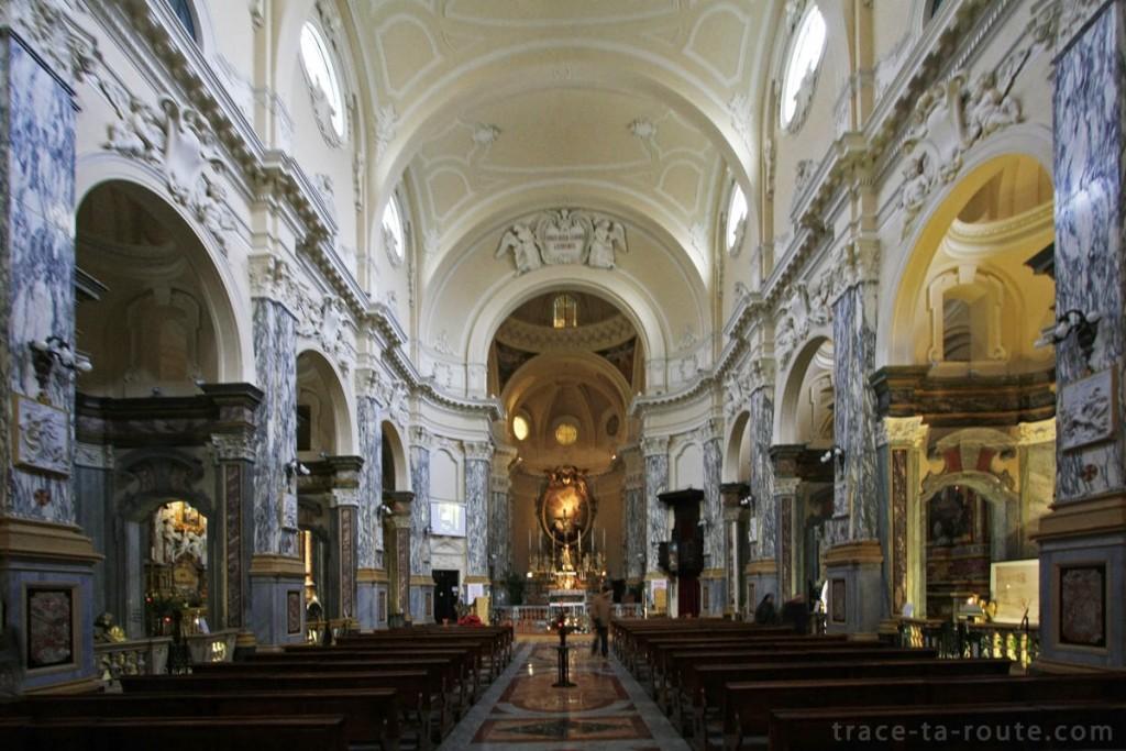 Intérieur de l'église Chiesa della Santissima Annunziata de TURIN