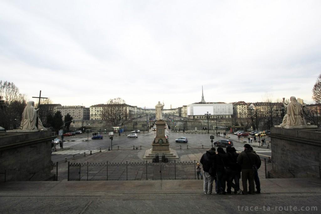 Piazza Gran Madre de Dio, à TURIN