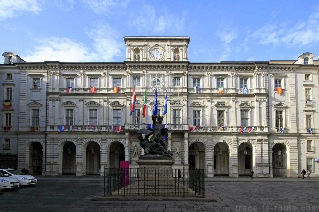 Palazzo Civico sur la Piazza Palazzo di Città de TURIN