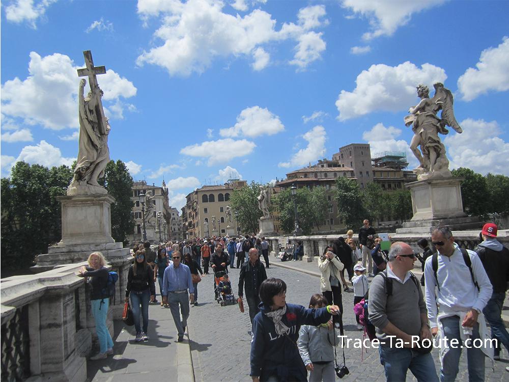 Pont face au château, Rome Italie