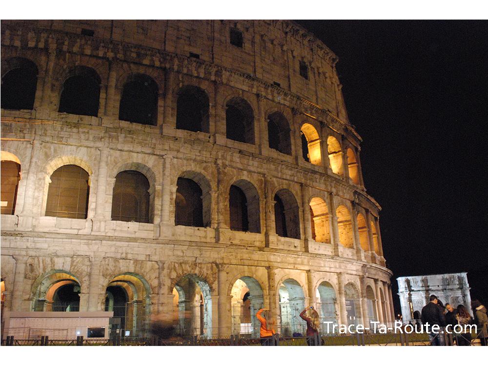 Colisée de Rome by night, Italie