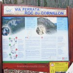 Panneau de la Via Ferrata Roc du Cornillon, à la Dent du Chat