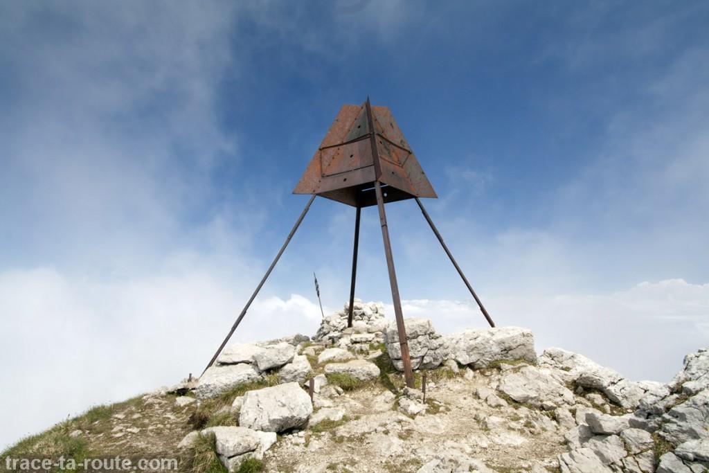 Structure au sommet du Trélod (Massif des Bauges)