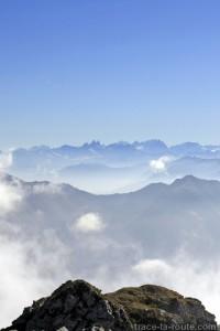 Les Aiguilles d'Arves, vues depuis le sommet du Trélod (Bauges) - édouard photographie © Trace Ta Route