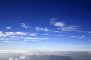 Cirrus dans le ciel du Massif des Bauges