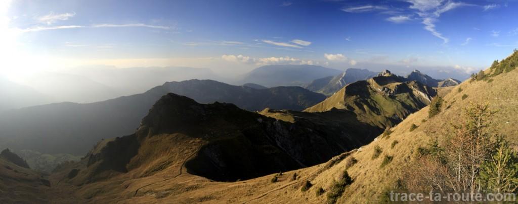 Le Massif des Bauges depuis le Trélod