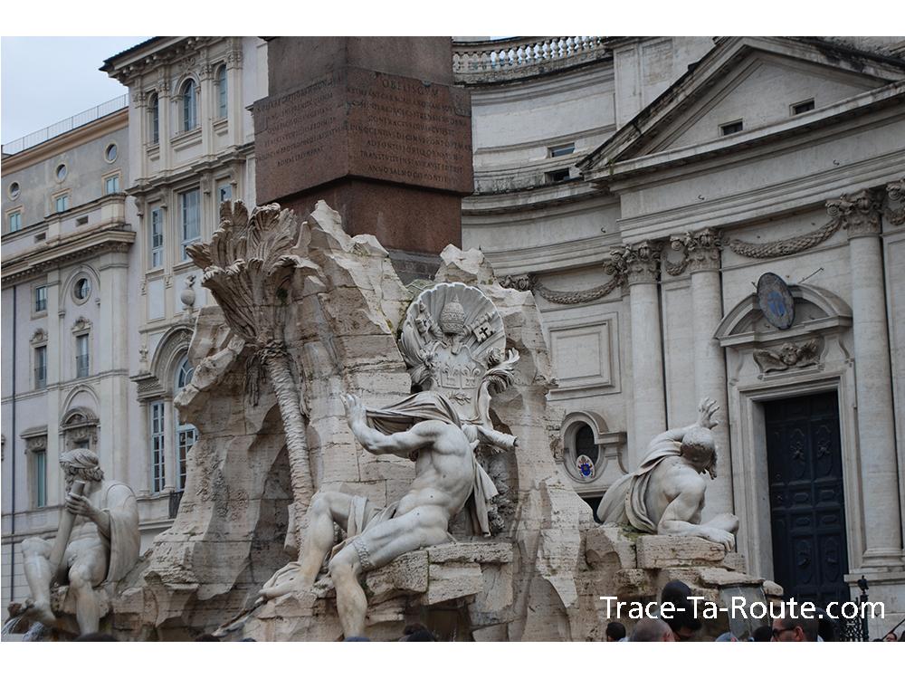 Statues Piazza Navona à Rome, Italie