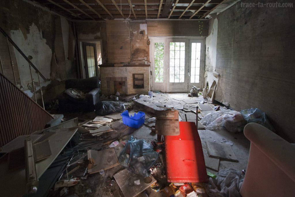 Intérieur d'une maison abandonnée de Doel