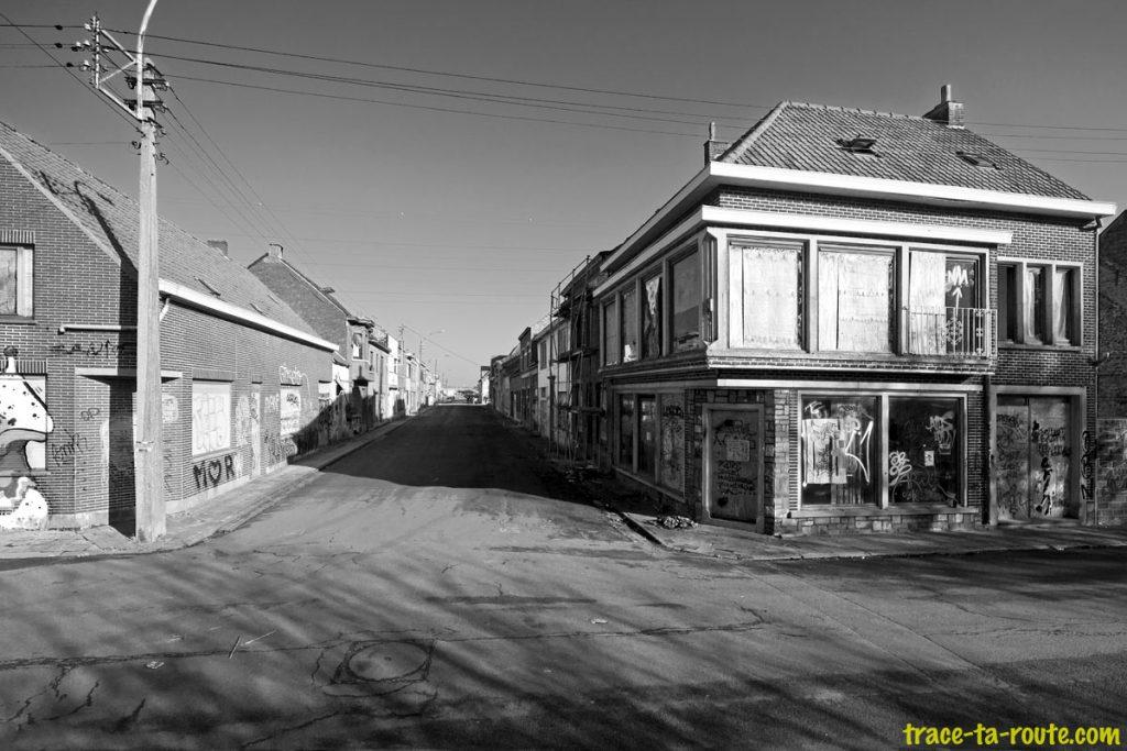 Urbex - Rue déserte ville de Doel Belgique