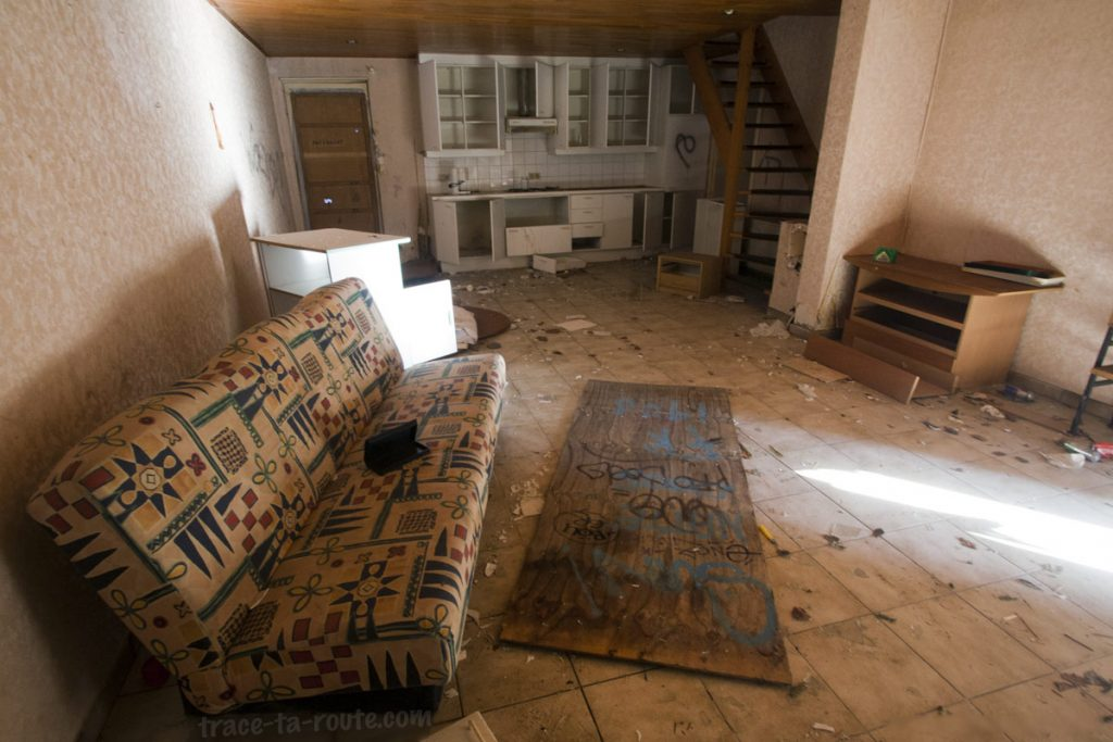 Urbex - Intérieur d'une maison abandonnée de Doel Belgique