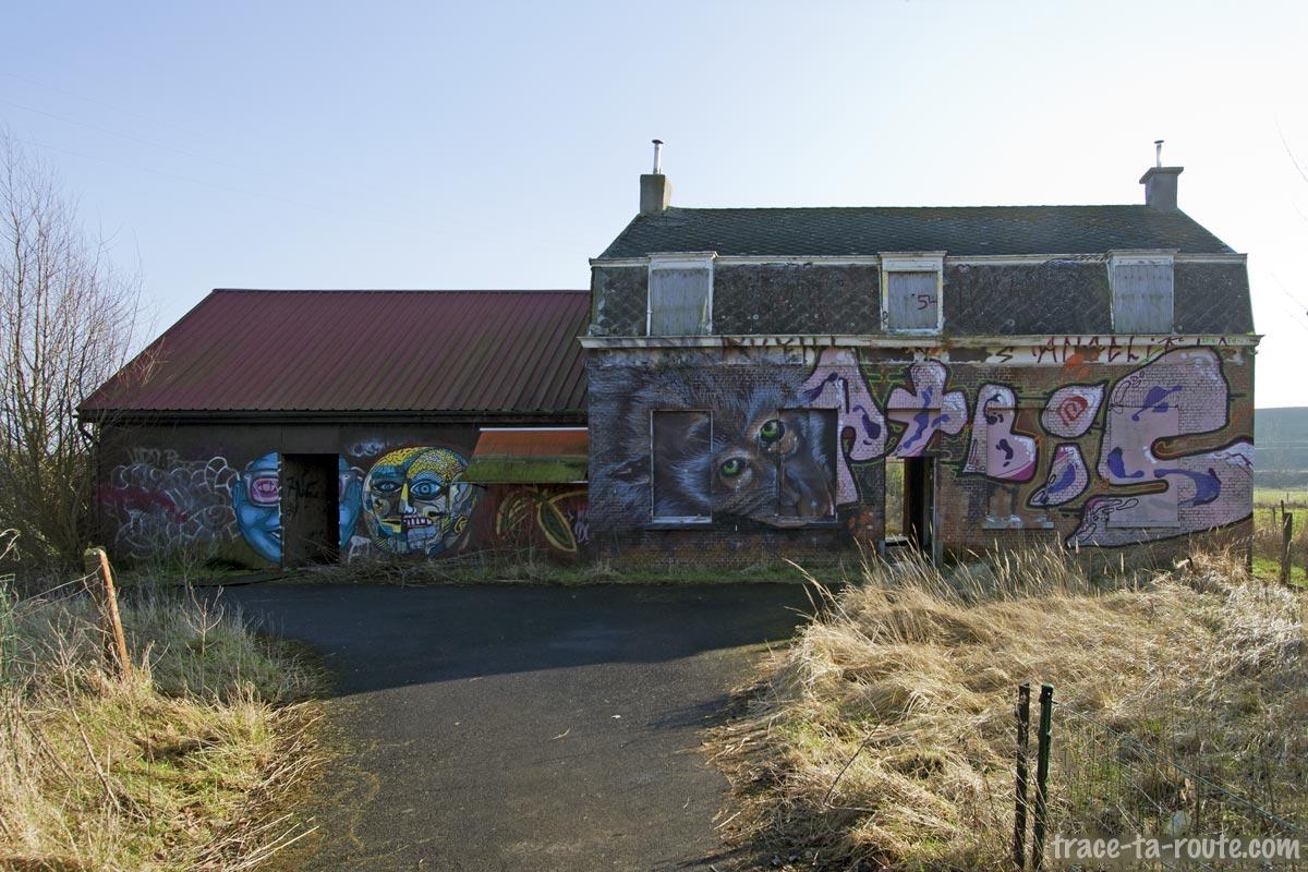 Graffitis sur une maison abandonnée de Doel