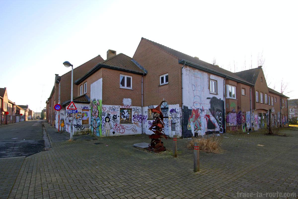 Urbex - Graffitis sur les maisons abandonnées de Doel Belgique