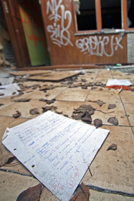 Urbex - objet abandonné dans une maison de Doel