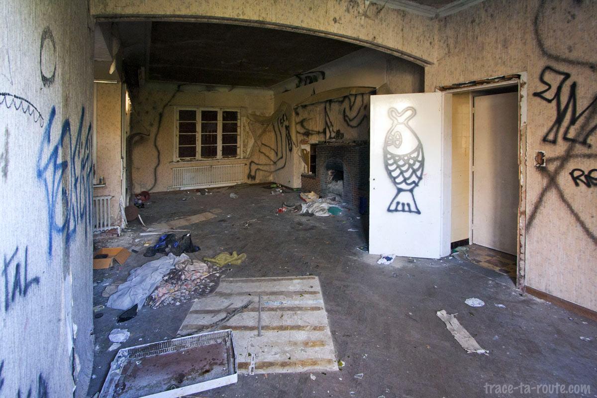 Urbex - Intérieur d'une maison abandonnée de Doel