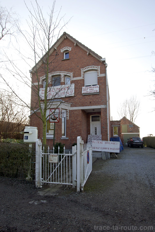 Maison encore habitée à Doel