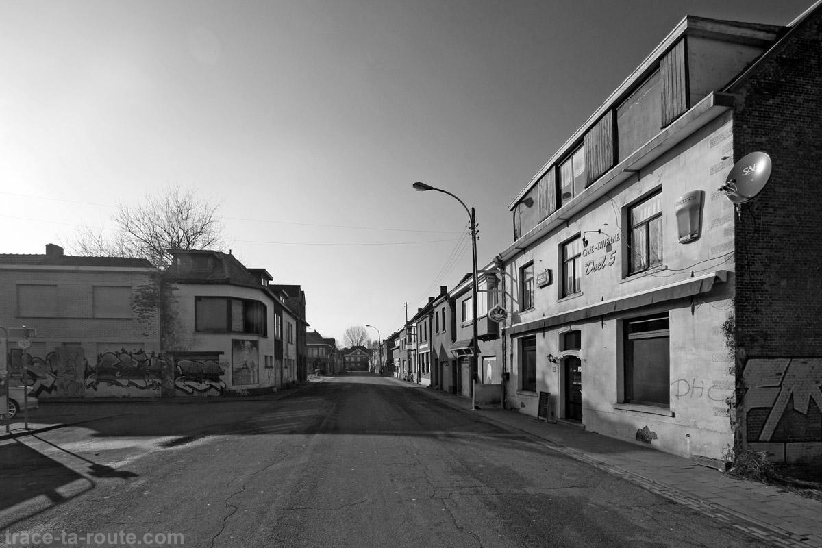 Urbex - Rue déserte village de Doel Belgique