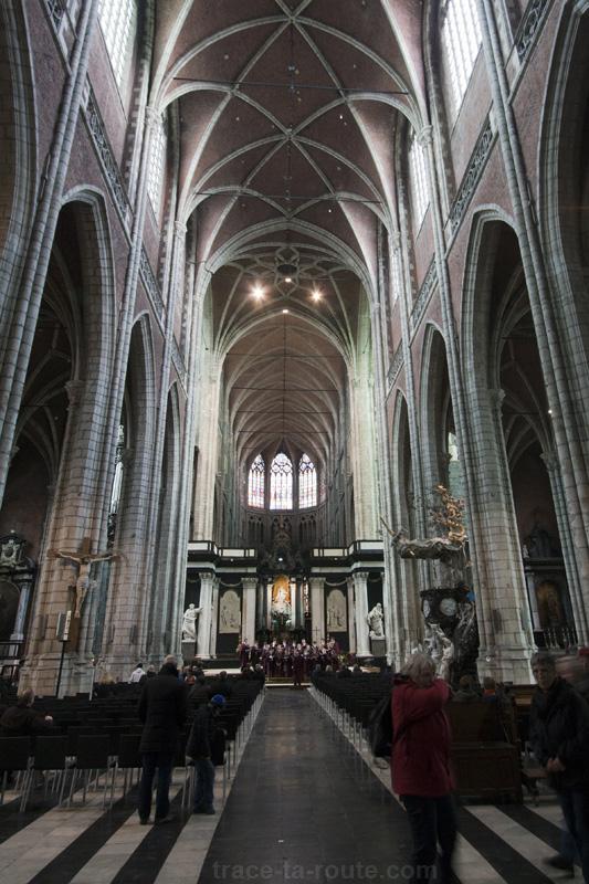 Nef de la Cathédrale Saint-Bavon de Gand, Belgique - Gent Belgium