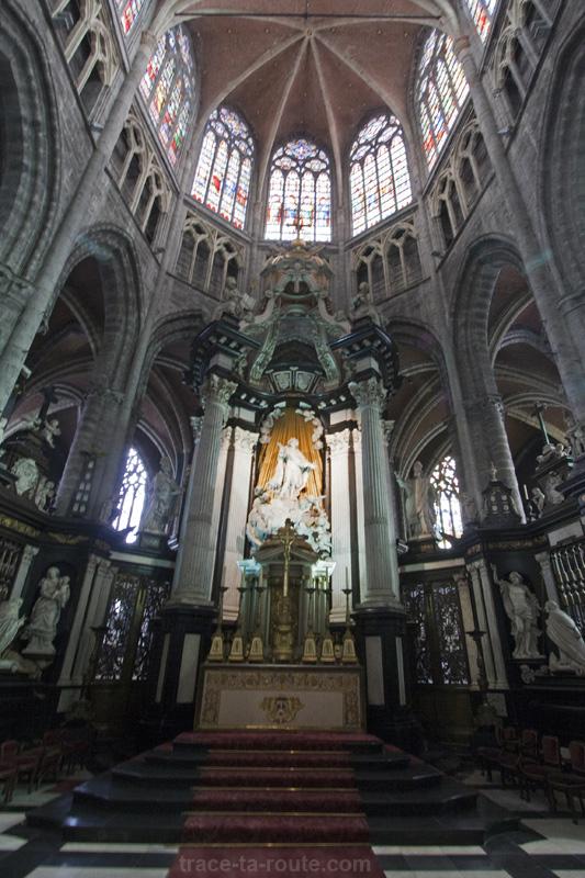 Chœur et autel de la Cathédrale Saint-Bavon de Gand, Belgique - Gent Belgium