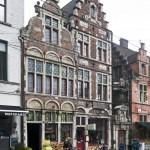 Façade d'immeubles sur la place Saint-Pharaïlde de Gand, Belgique - Gent Belgium