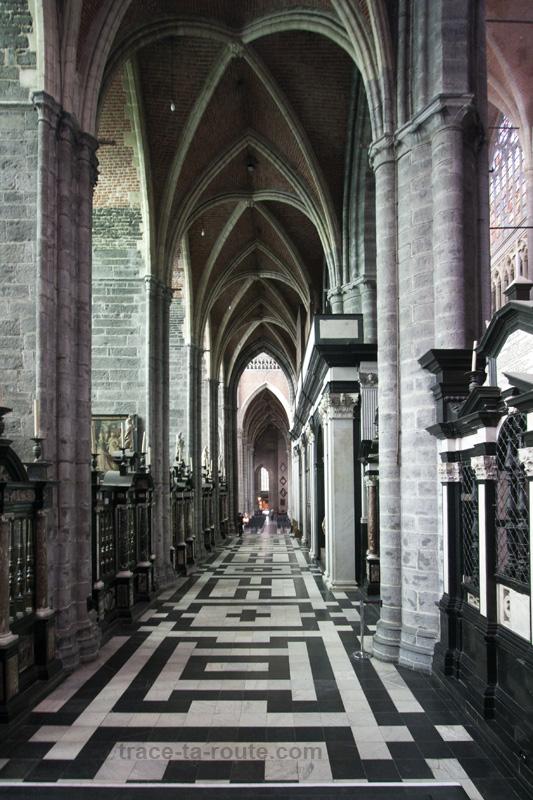 Intérieur de la Cathédrale Saint-Bavon de Gand, Belgique - Gent Belgium