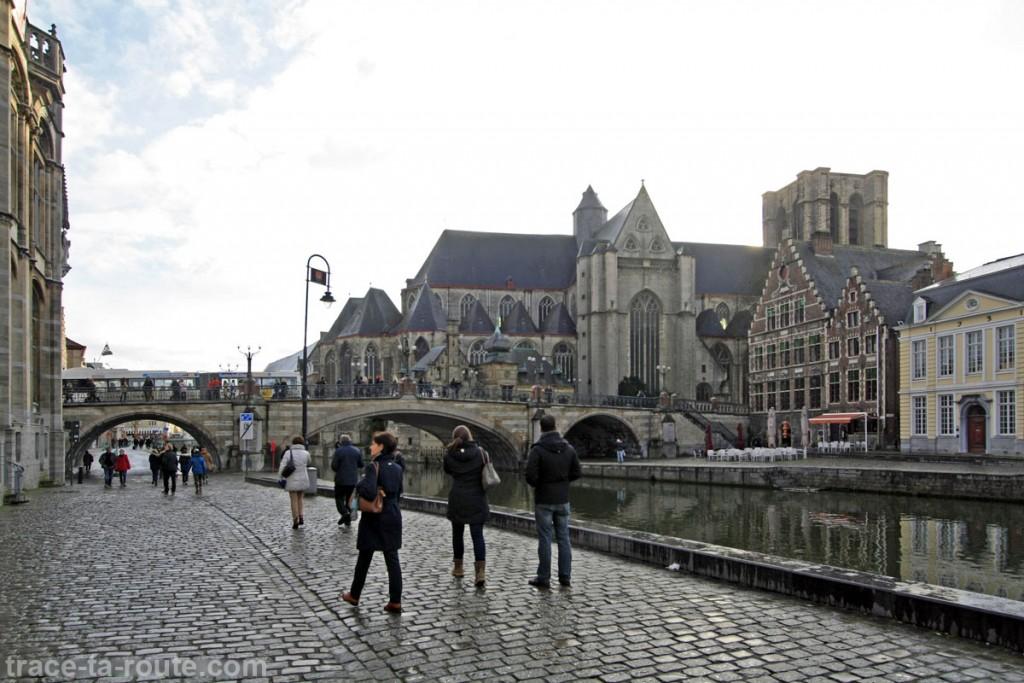 Église Saint-Michel de Gand depuis Graslei, quai de la Lys, Belgique - Gent Belgium