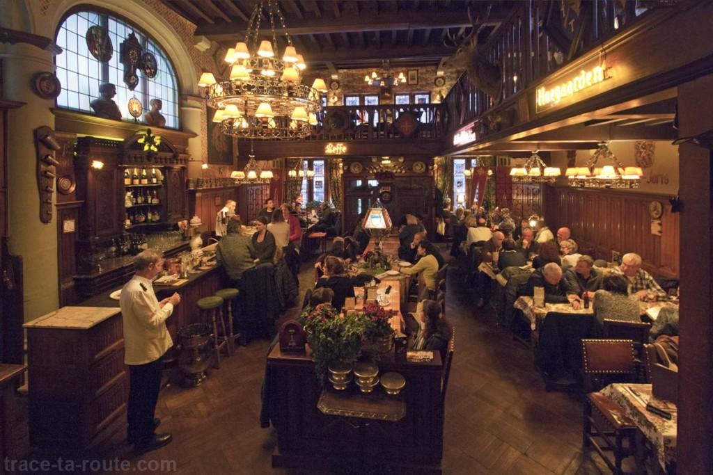"""Brasserie """"Le Cour Saint-Georges"""" à Gand, Belgique - Gent Belgium"""