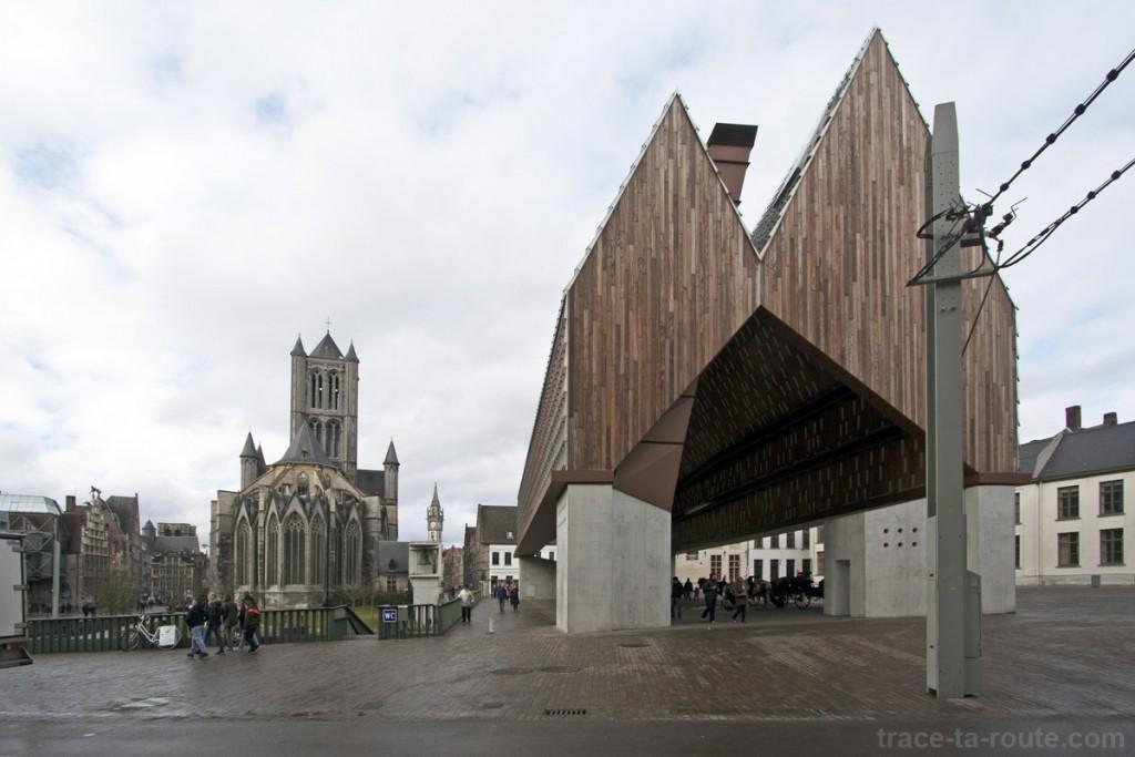Halles et Église Saint-Nicolas de Gand, Belgique - Gent Belgium