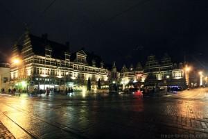 Place Saint-Pharaïlde de Gand, de nuit, Belgique - Gent Belgium