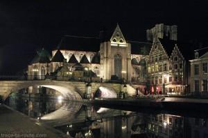 Église Saint-Michel de nuit sur la Lys à Gand, Belgique - Gent Belgium