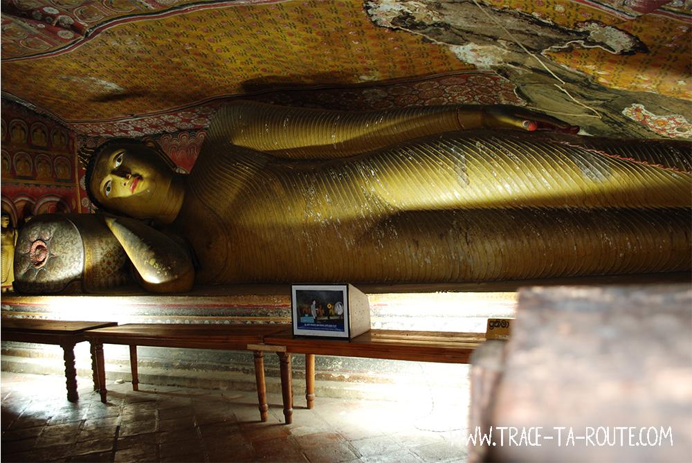 Bouddha Couché à Dambulla, Sri Lanka