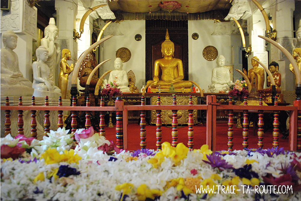 Autel temple de la Dent à Kandy, Sri Lanka