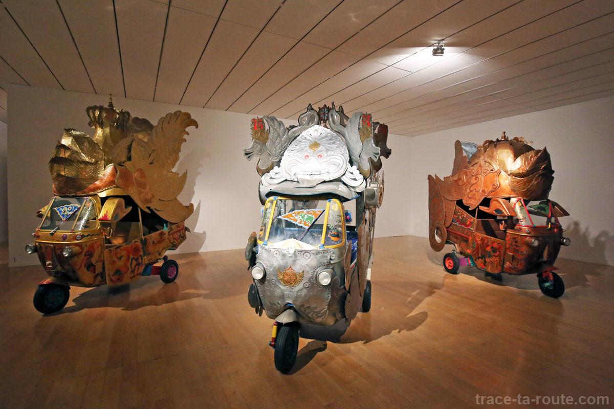 """""""Bajaj Pasti Berlalu"""" (2009-2010) NASIRUN - Exposition OPEN SEA au MAC Lyon"""
