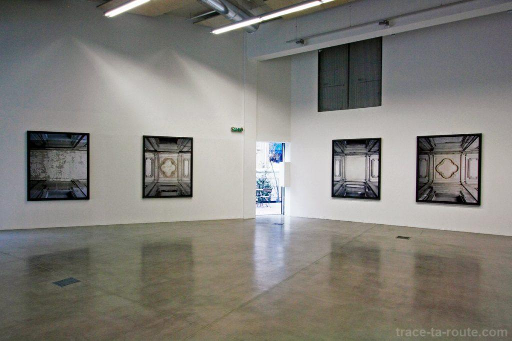 """Série """"Grisailles"""" (2010) Marie Bovo - Exposition """"La Danse de l'Ours"""" au FRAC PACA Marseille"""
