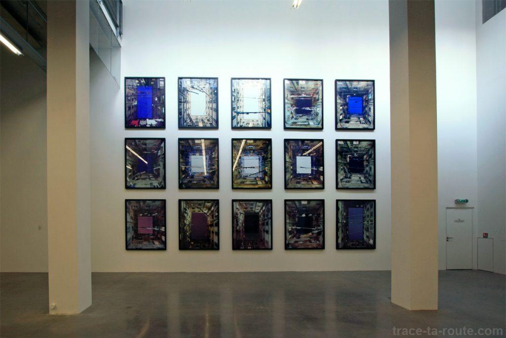 """Série """"Cours intérieures"""" (2008-2009) Marie Bovo - Exposition """"La Danse de l'Ours"""" au FRAC PACA Marseille"""