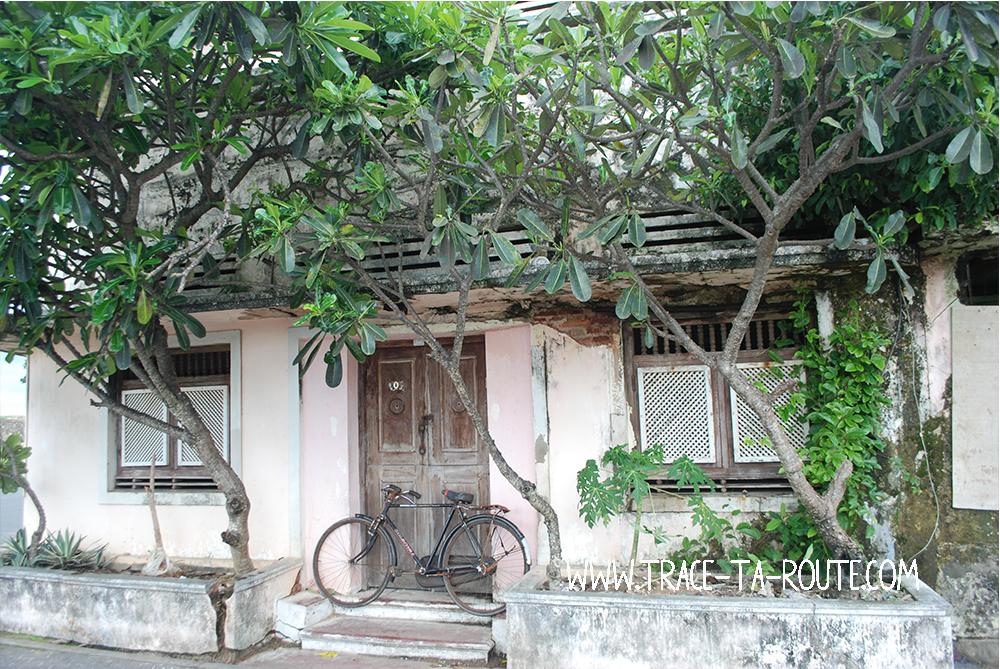 Maison et vélo à Galle, Sri Lanka