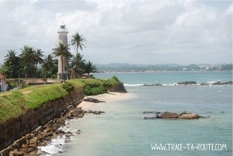 Galle, le phare, la mer et la plage