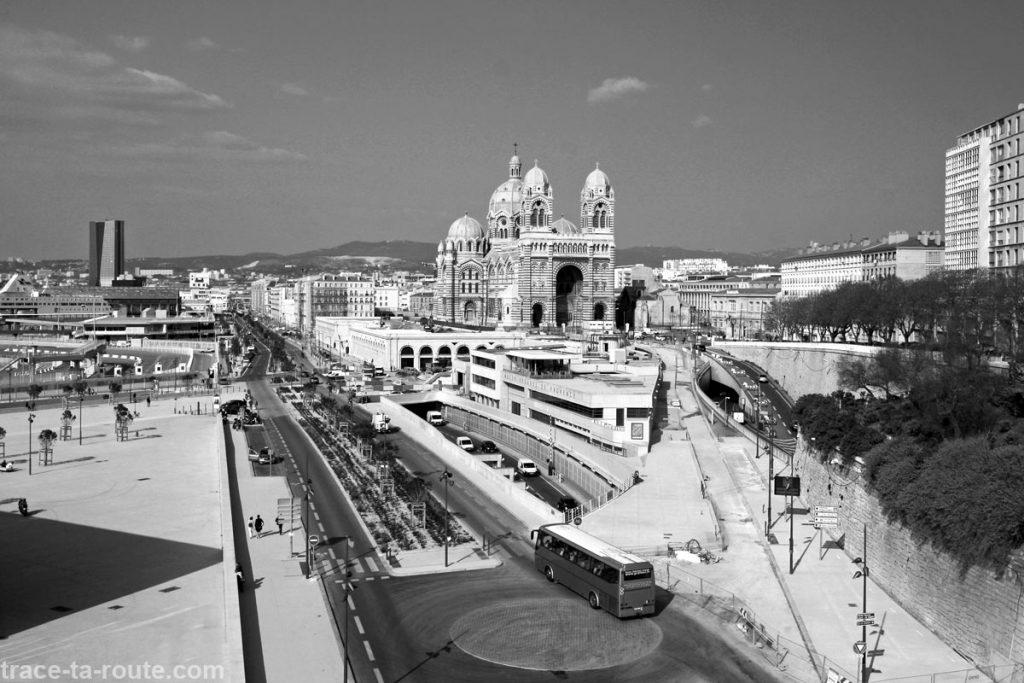 La Major et le quai de la tourette à Marseille, en noir et blanc