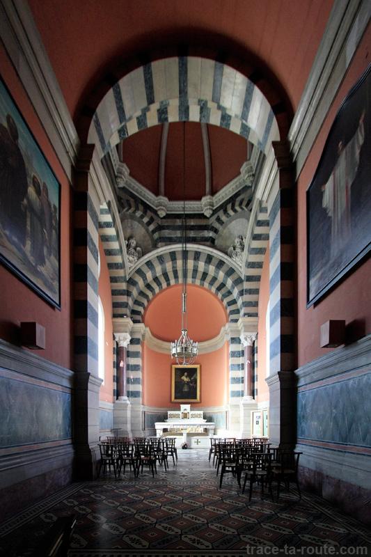 Intérieur de la Major de Marseille : chapelle de la Vierge et tombeau de Monseigneur Belzunce