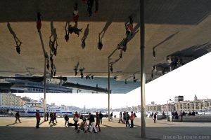 Ombrière (2013) de Norman Foster, sur le Vieux-Port de Marseille