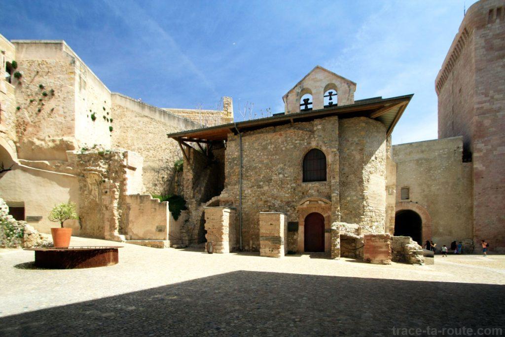 MuCEM : la cour de la commande et la chapelle du Fort Saint-Jean de Marseille