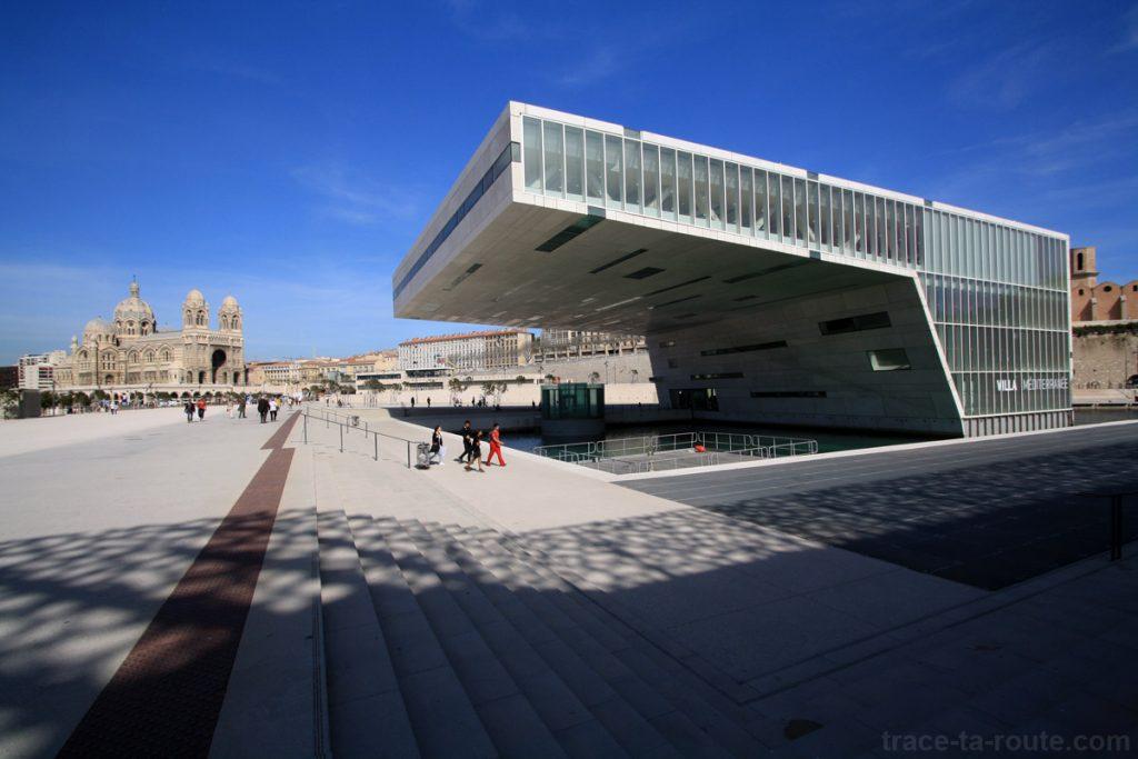 La Major et la Villa Méditerranée, vues depuis l'esplanade du MuCEM Marseille