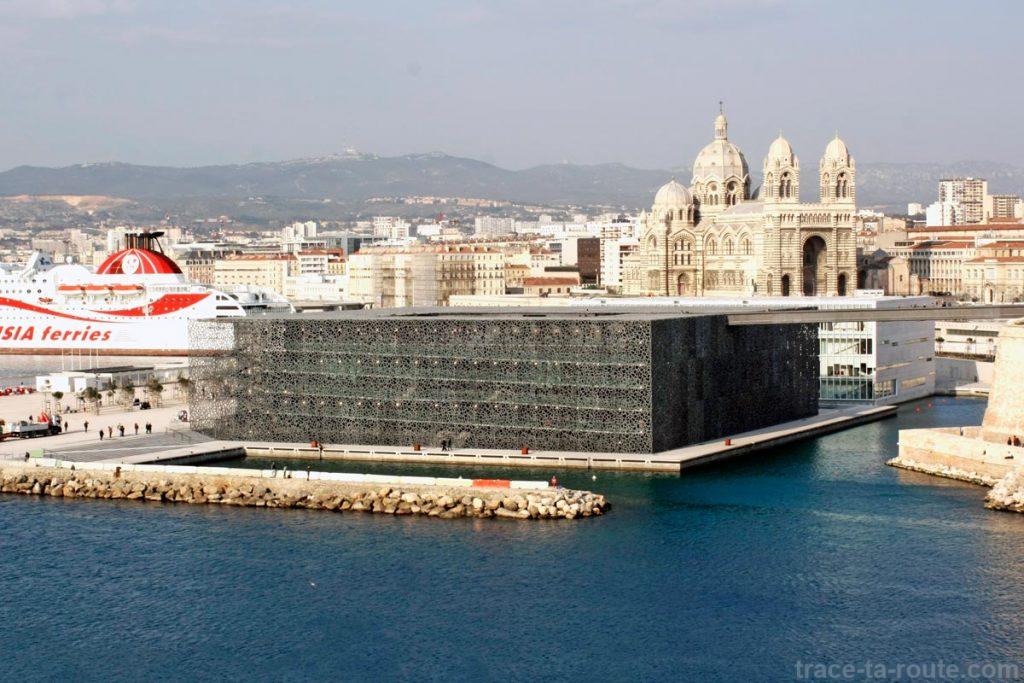 Le MuCEM et la Major, vus depuis le Pharo à Marseille