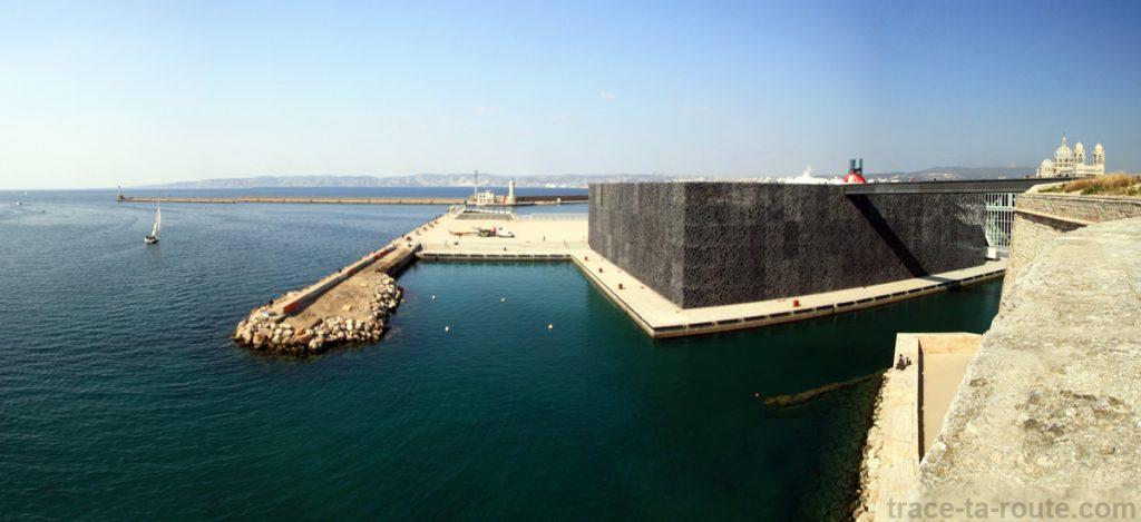 Le MuCEM vu depuis le Fort Saint-Jean de Marseille