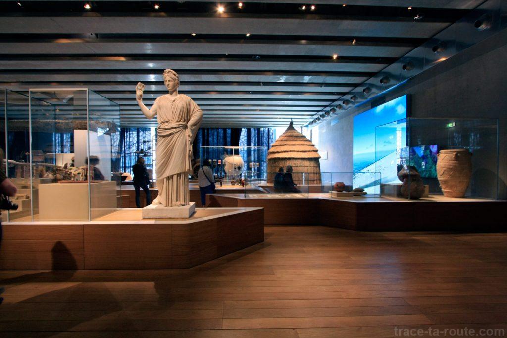 """Salle 1 de la Galerie de la Méditerranée du MuCEM : """"Invention des agricultures, naissance des dieux"""""""